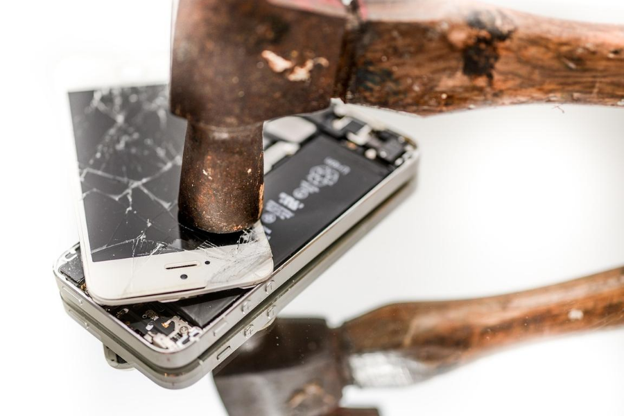How to Destroy Old Phones
